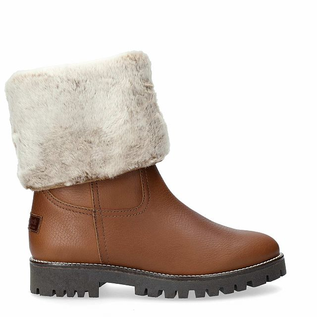 Natural leather boot with a fur lining