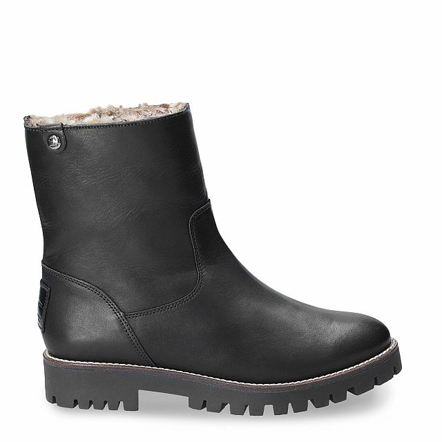 Leather boot in black with fur inner lining