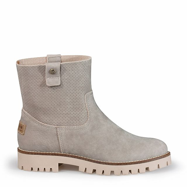 Women's leather ankle boot in taupe