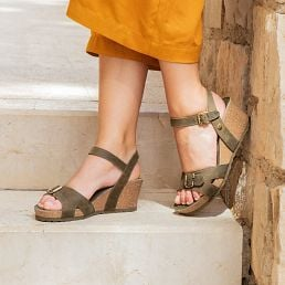 Khaki leather sandals kaki with a leather lining