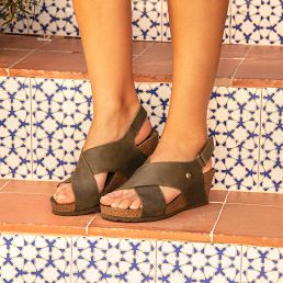 Khaki leather sandals with a leather lining