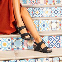 Sandalia de piel negro con forro de piel