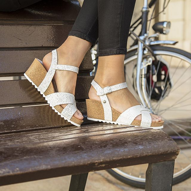 Vika Roses White Napa Woman Footwear